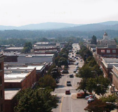 2006 photograph of Main Street, Hendersonville, North Carolina